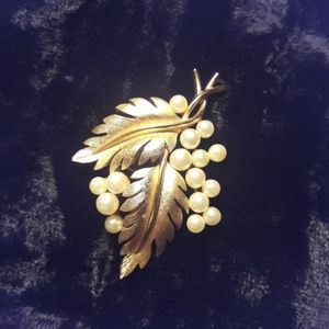 Vintage Trifari Leaves and Pearls Brooch